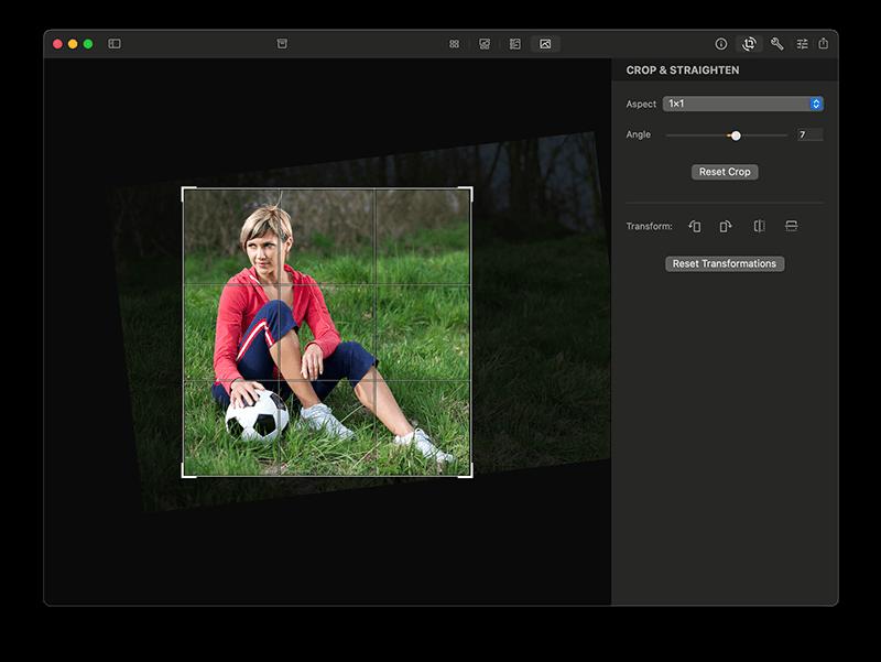 Edit photos on Mac: Crop and straighten in Photo Sense